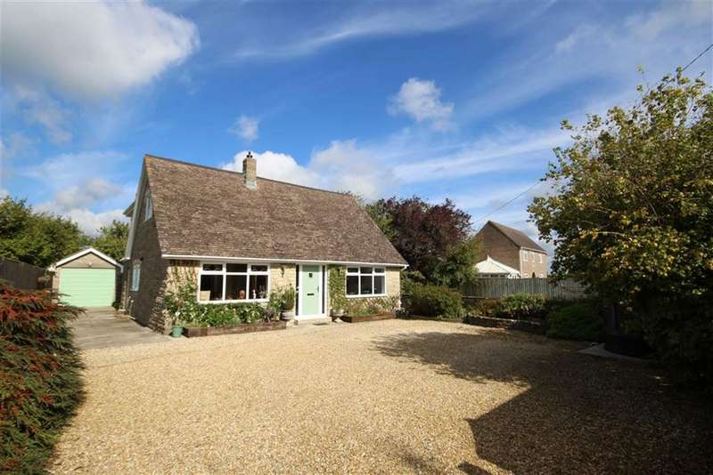 4 Bedrooms Detached House for sale in Barton Close, Bradenstoke, Wiltshire