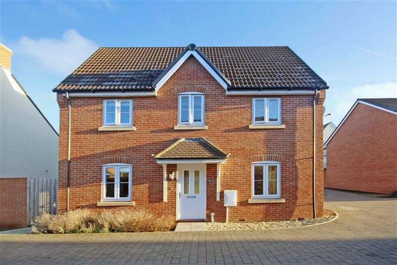 3 Bedrooms Semi Detached House for sale in Beaufort Avenue, Royal Wootton Bassett, Wiltshire