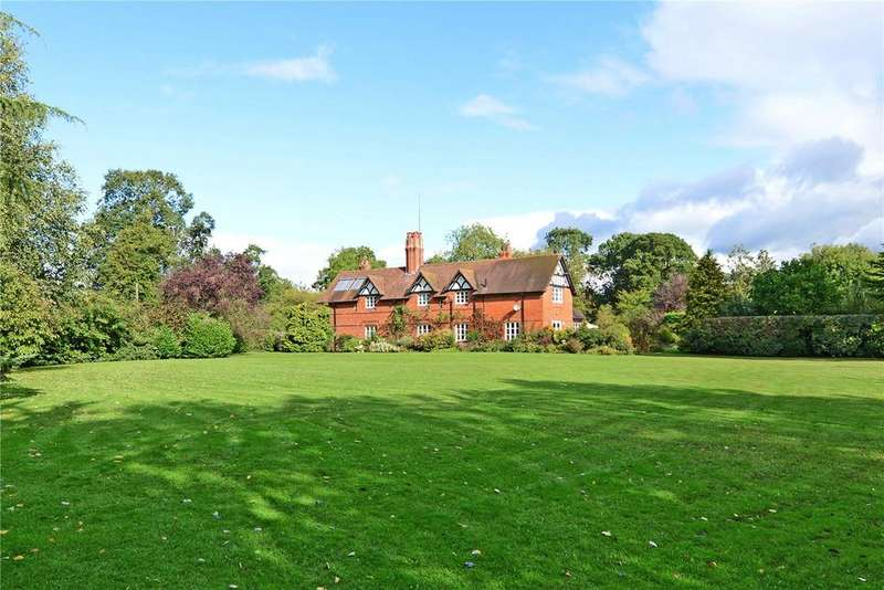 5 Bedrooms Detached House for sale in Pulford, Chester, Cheshire