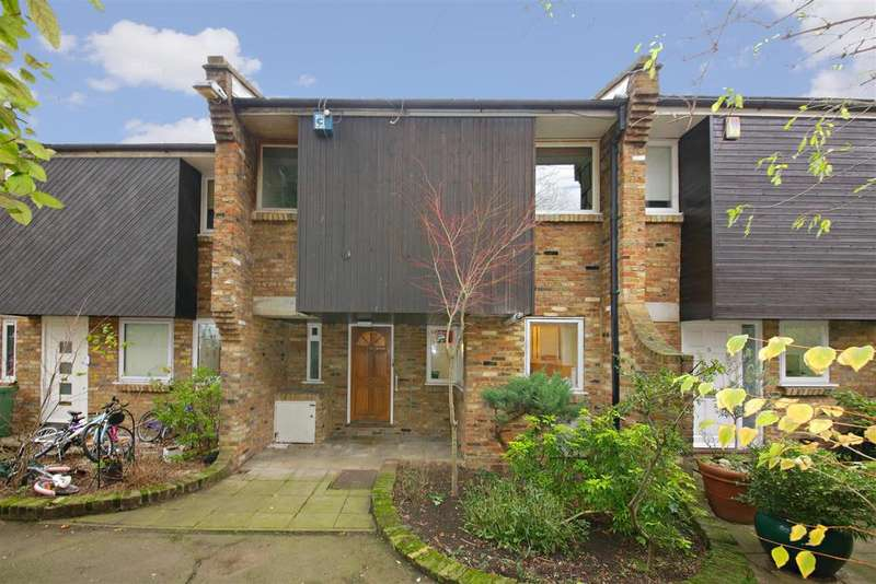 4 Bedrooms House for sale in Parkhill Walk, London