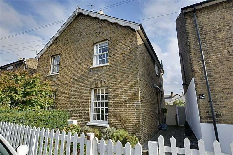 3 Bedrooms Semi Detached House for sale in Currie Street, Hertford, Herts, SG13