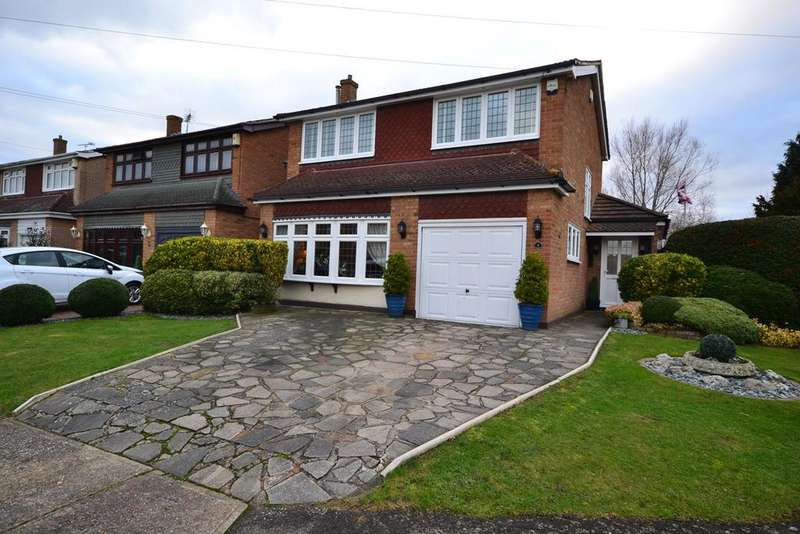 3 Bedrooms Detached House for sale in Foxfield Drive, Stanford-le-Hope, SS17