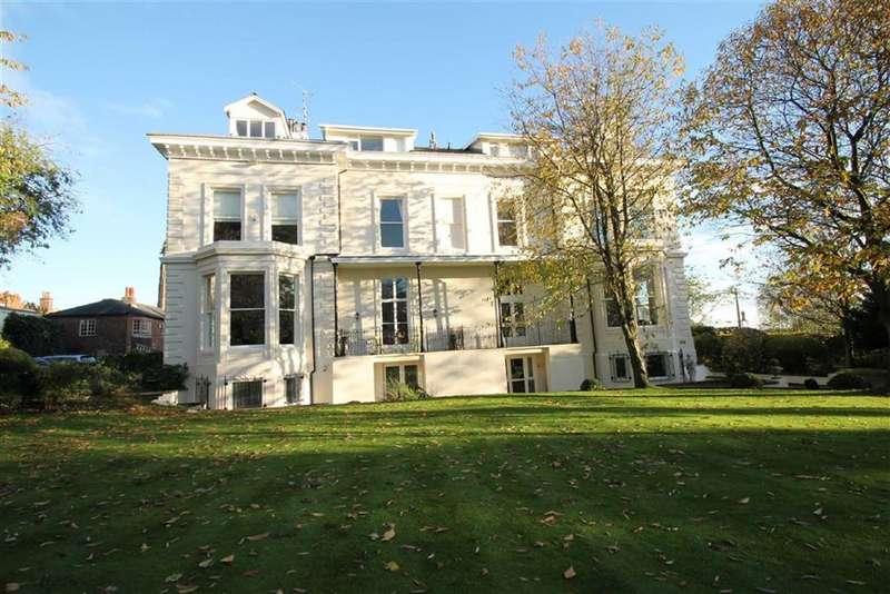 3 Bedrooms Flat for sale in Green Walk, Bowdon, Bowdon Altrincham