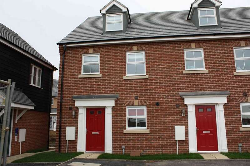 3 Bedrooms Semi Detached House for rent in Bury St Edmunds IP32