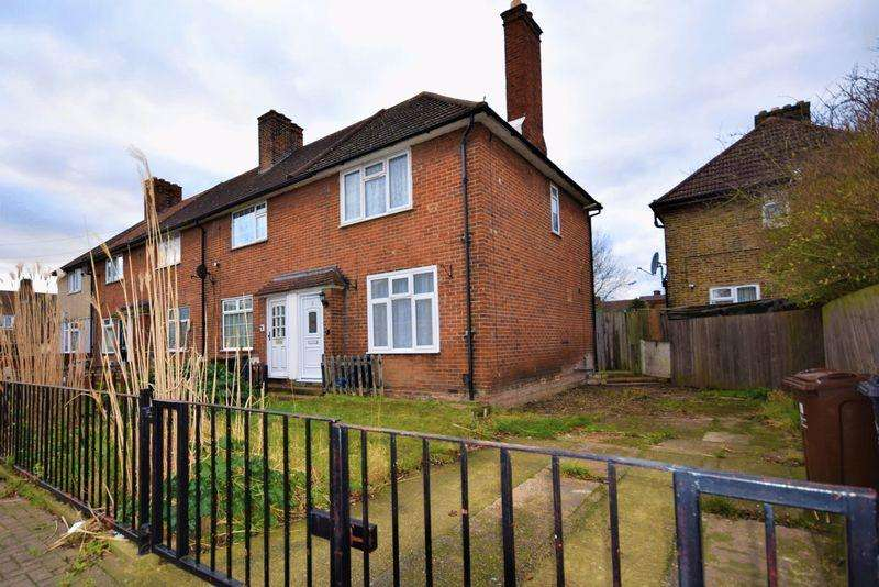 2 Bedrooms Semi Detached House for sale in Darcy Gardens, Dagenham