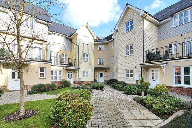 2 Bedrooms Flat for sale in Springfield Park Gate, Horsham
