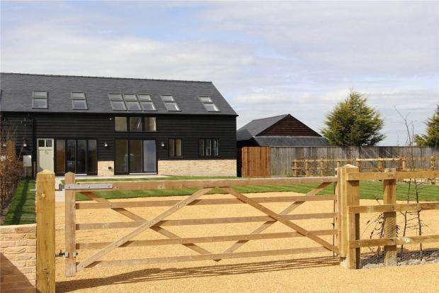 5 Bedrooms Semi Detached House for sale in Church Street, Haslingfield, Cambridgeshire