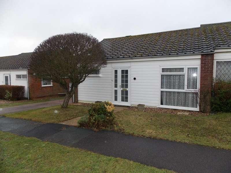 2 Bedrooms Semi Detached Bungalow for rent in Warren Way, Telscombe Cliffs, Peacehaven, East Sussex