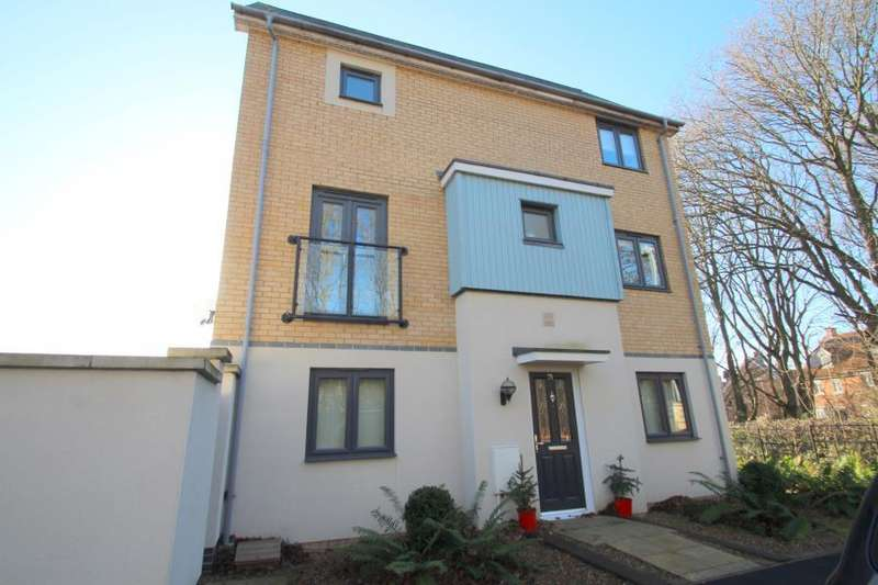 3 Bedrooms Town House for sale in Apprentice Drive