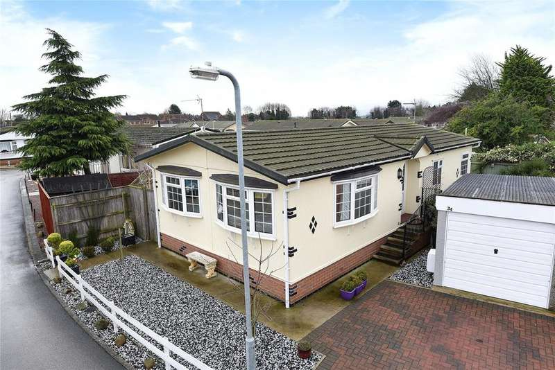 2 Bedrooms Park Home Mobile Home for sale in Lindum Park, Ruskington, NG34