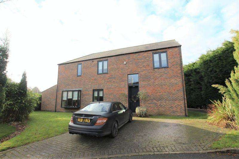 4 Bedrooms Detached House for sale in SIMPSONS FOLD, NEW WALTHAM