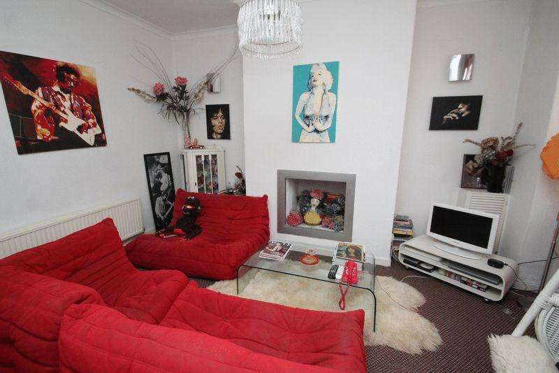 2 Bedrooms Terraced House for sale in Partington Street, Castleton OL11 3DL