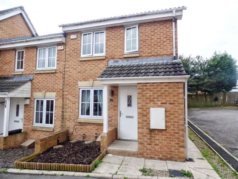3 Bedrooms Terraced House for sale in Hazel Drive, Illingworth, HALIFAX, West Yorkshire, HX2