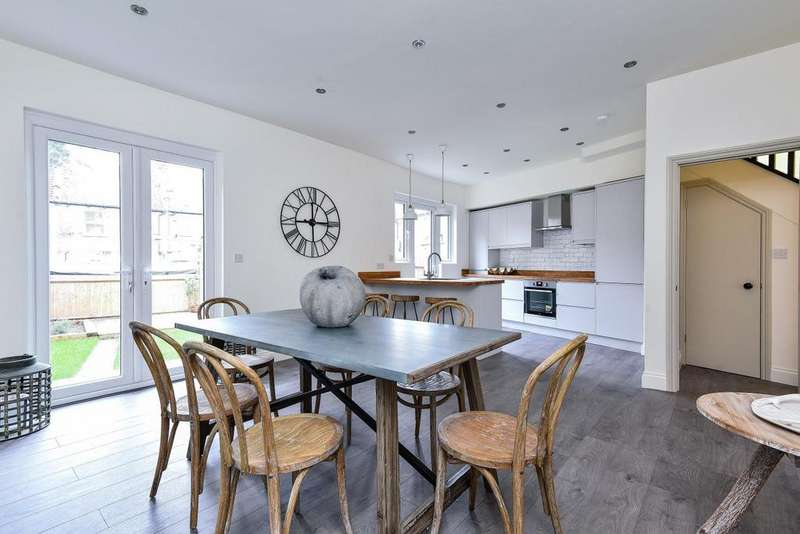 5 Bedrooms End Of Terrace House for sale in Vectis Road, Tooting
