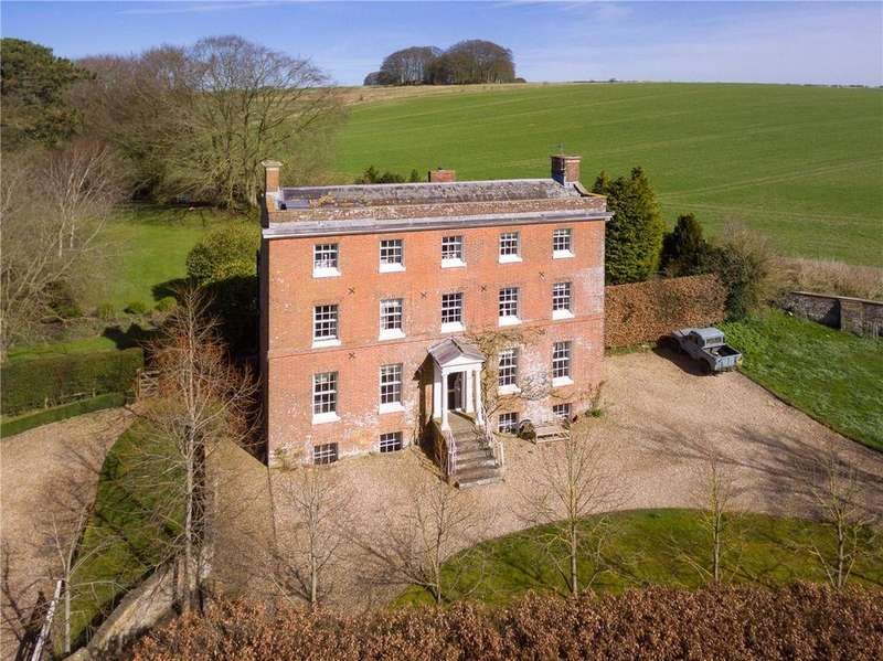 5 Bedrooms Detached House for rent in West Kennett, Marlborough, Wiltshire, SN8