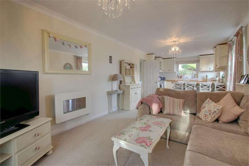 3 Bedrooms House Share for rent in Grebe Close, Alton, Hampshire