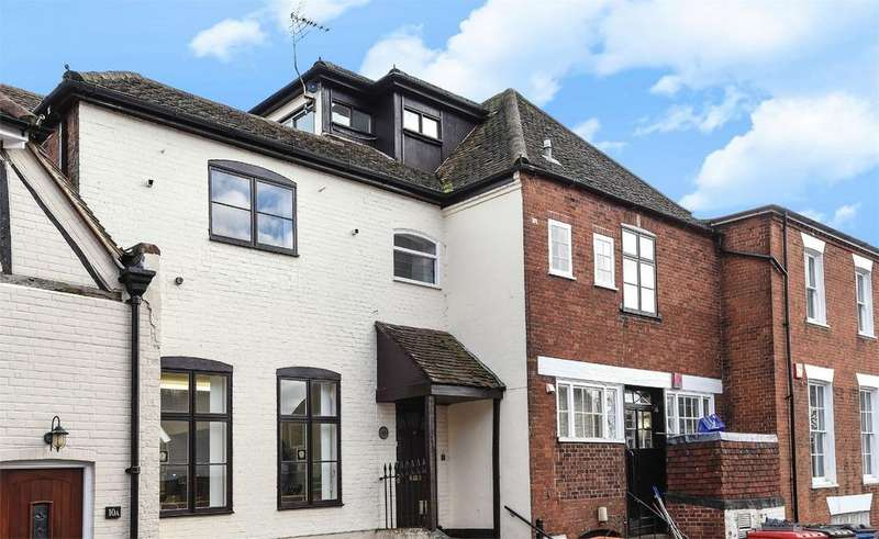 2 Bedrooms Flat for rent in Brook Street, Bishops Waltham, Hampshire