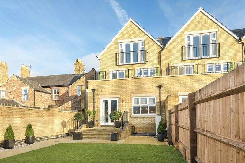 3 Bedrooms Terraced House for sale in Cherwell House, Beaumont Gate, Abbey Road, Oxford, OX2