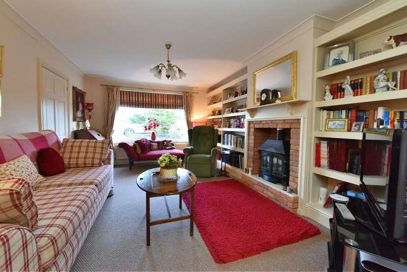 2 Bedrooms Semi Detached Bungalow for sale in Redgate, Ormskirk