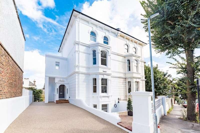 5 Bedrooms Semi Detached House for sale in Alexandra Villas, Brighton, BN1