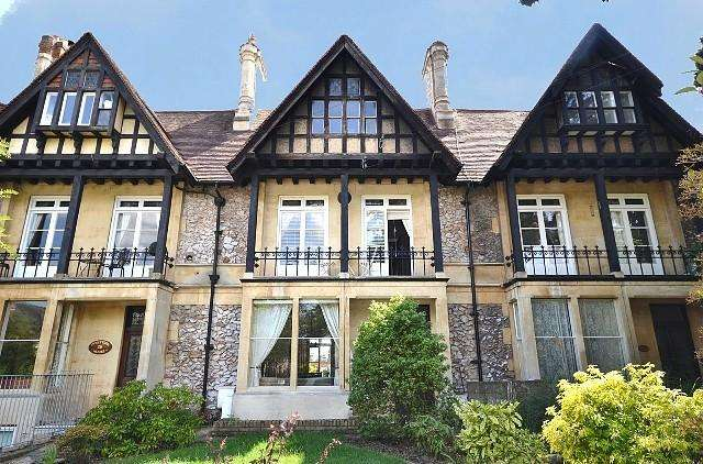 2 Bedrooms Apartment Flat for sale in Creffield Road, Colchester, Essex, CO3