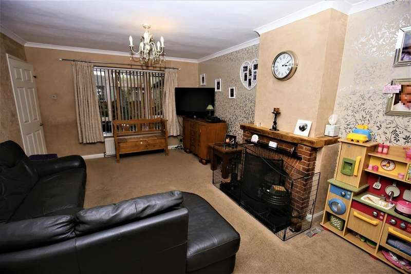 3 Bedrooms Semi Detached House for sale in Well Street, Loose, Maidstone