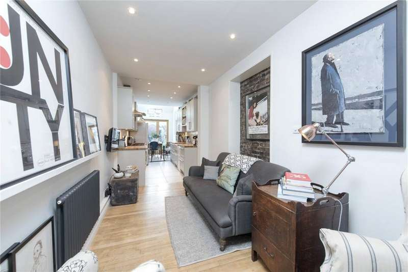 4 Bedrooms Terraced House for sale in St. John's Hill, Wandsworth, London, SW11