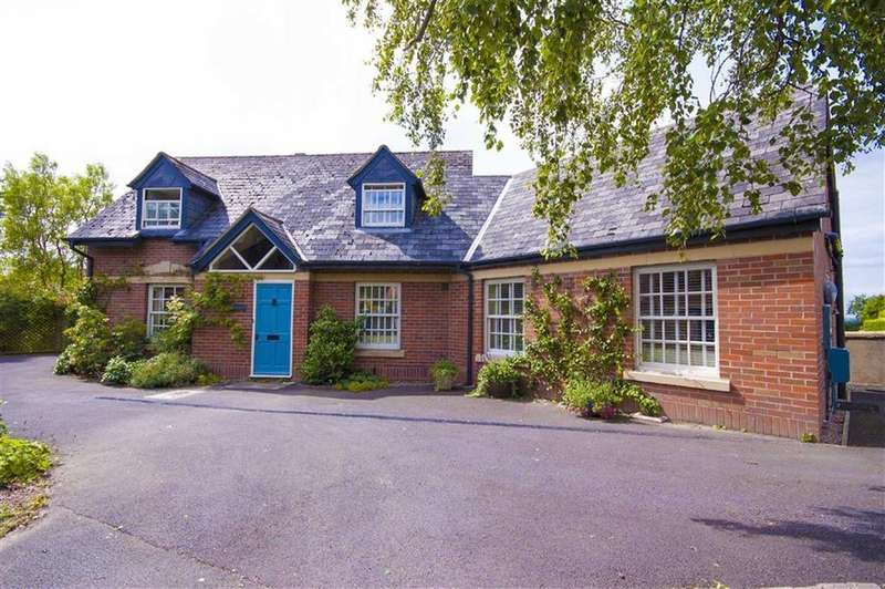 4 Bedrooms Detached House for sale in Mine Bank, Clive, Shrewsbury, Shropshire