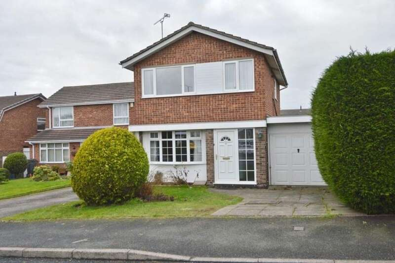 3 Bedrooms Detached House for sale in St Marys Road, Little Haywood