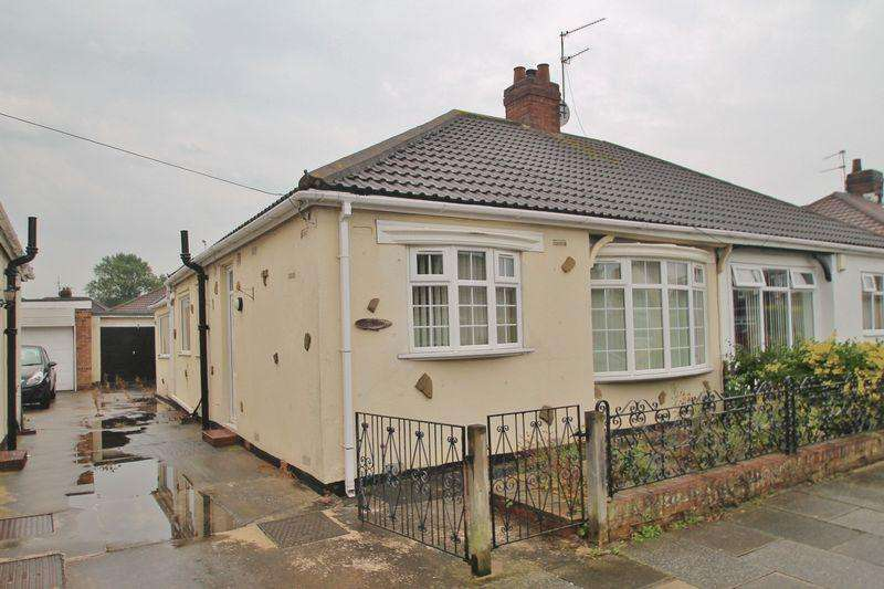 2 Bedrooms Semi Detached Bungalow for sale in Leamington Grove, Ormesby