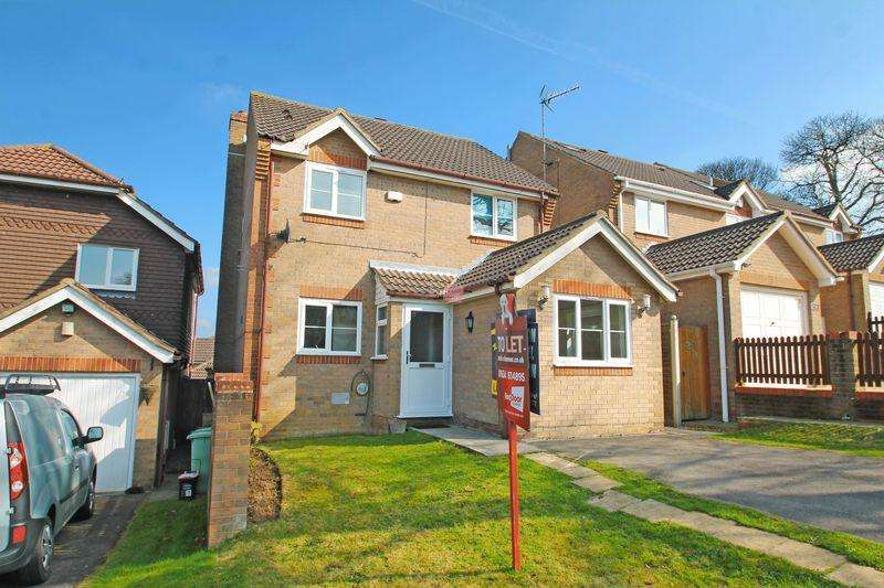 3 Bedrooms Detached House for rent in Abigail Crescent, Chatham