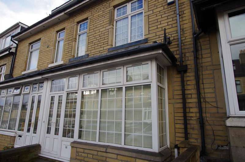 4 Bedrooms Terraced House for rent in DURHAM ROAD, BRADFORD, BD8 9HP
