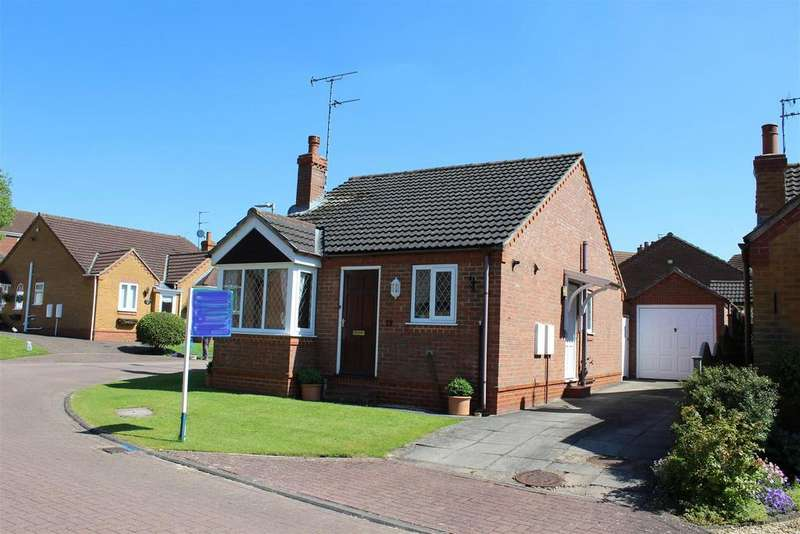 2 Bedrooms Detached Bungalow for rent in The Close, Market Weighton, York