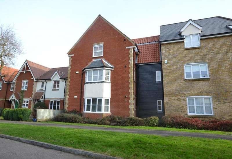 2 Bedrooms Apartment Flat for sale in Bramble Tye, Laindon, Basildon, Essex, SS15
