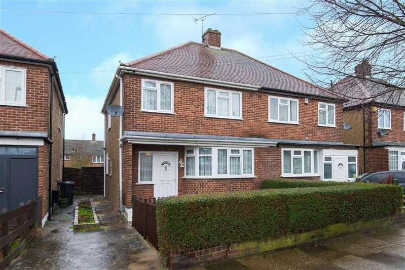 3 Bedrooms Semi Detached House for sale in Sandown Way, Northolt, Middlesex