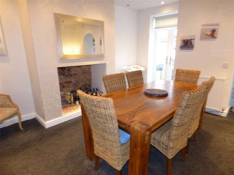 2 Bedrooms Terraced House for sale in Agincourt Street, Heywood, Lancashire, OL10