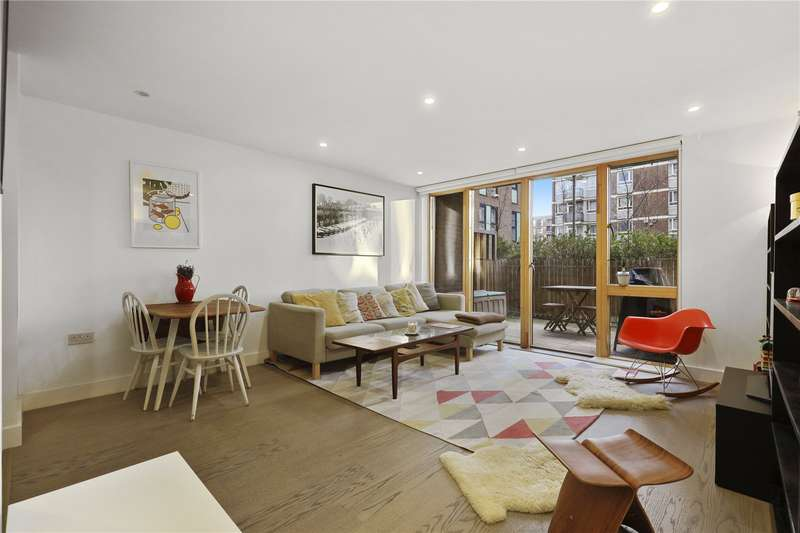 3 Bedrooms Flat for sale in Swimmers Lane, London, E2