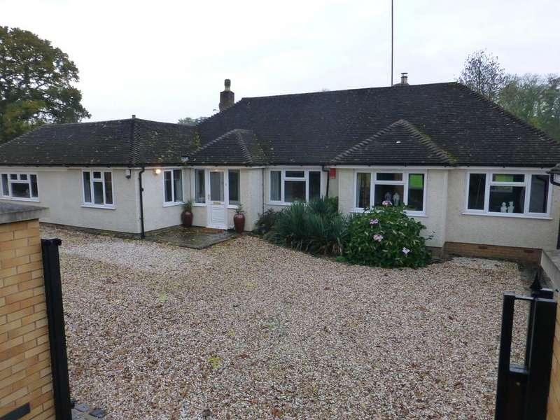 4 Bedrooms Detached House for sale in Henwood Lane, Catherine-de-barnes