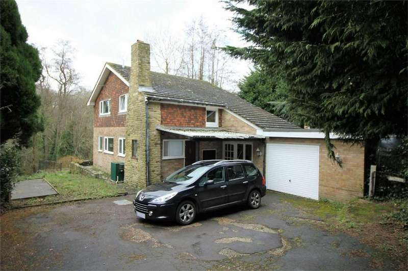 4 Bedrooms Detached House for sale in Station Road, CROWHURST, East Sussex