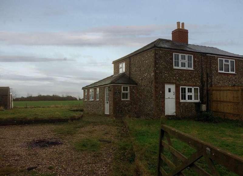 2 Bedrooms Semi Detached House for sale in Barrow Road, Denham, Bury St Edmunds IP29