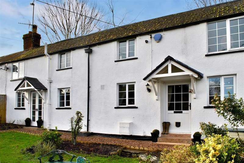 3 Bedrooms Terraced House for sale in Station Road, Milverton