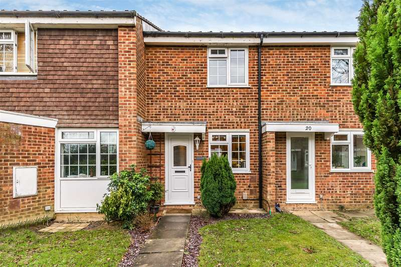 2 Bedrooms Terraced House for sale in Rothervale, Horley, Surrey, RH6