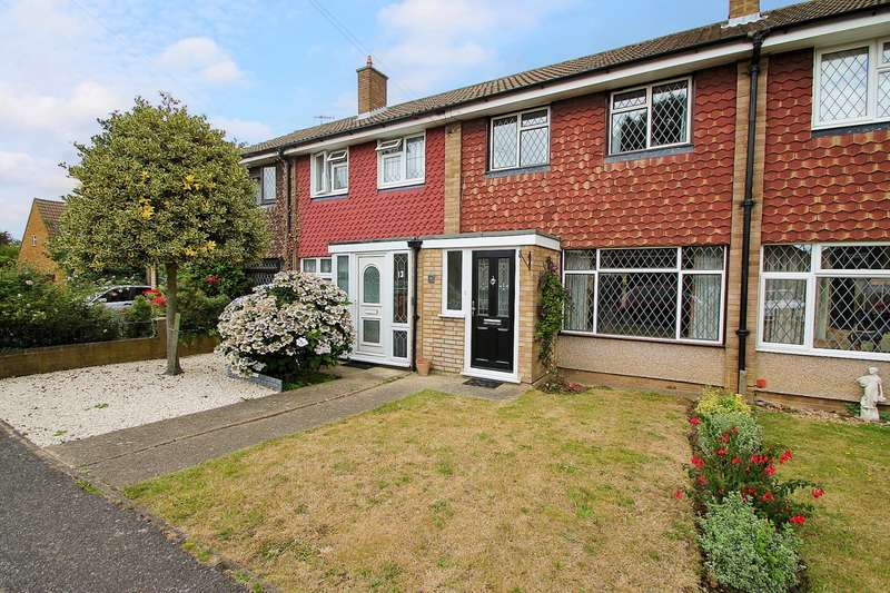 3 Bedrooms Terraced House for sale in Courtfield Road, Ashford, TW15