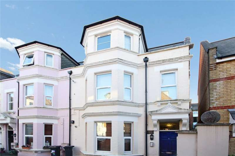 1 Bedroom Flat for sale in Eldon Place, Westbourne, Bournemouth, Dorset, BH4