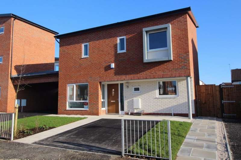 3 Bedrooms Detached House for rent in Carbis Avenue, Manchester, M11