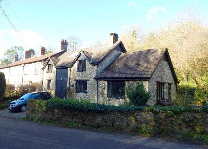 3 Bedrooms Semi Detached House for sale in Axmouth, Seaton, Devon