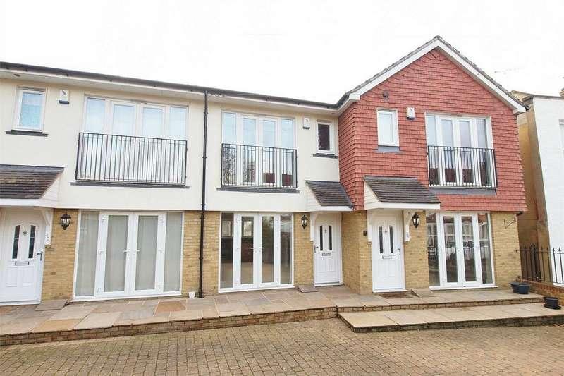 2 Bedrooms Terraced House for sale in Shortlands Gardens, Shortlands, Bromley