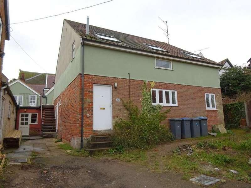 2 Bedrooms Ground Flat for rent in Woodbridge