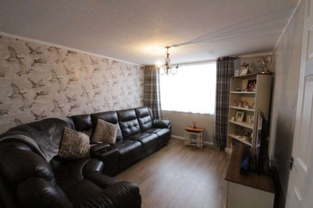 3 Bedrooms Property for sale in White Thorns Close, Sheffield, South Yorkshire, S8 8ES