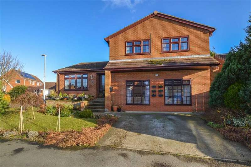 4 Bedrooms Detached House for sale in Cheyne Walk, Hornsea, East Yorkshire